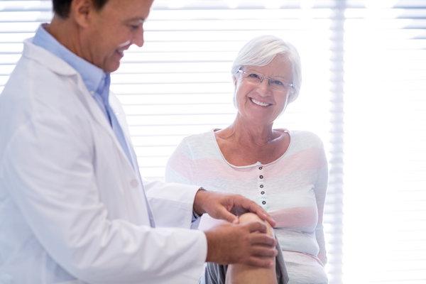 Dr Dan Albright total knee replacement surgery